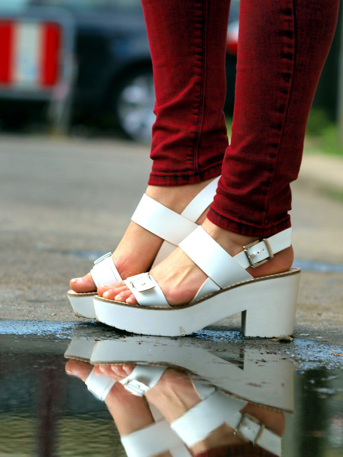 outfit asos ridley oxblood jeans and silky blouse white sandals from stradivarius