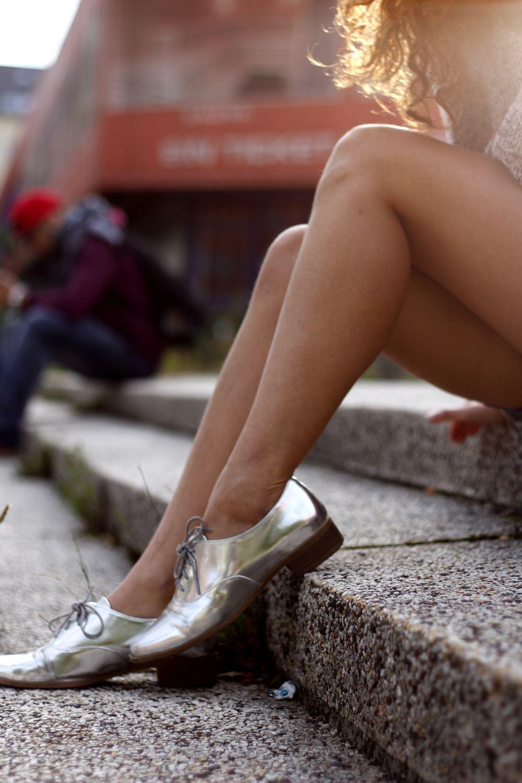 lace mini skirt shoes