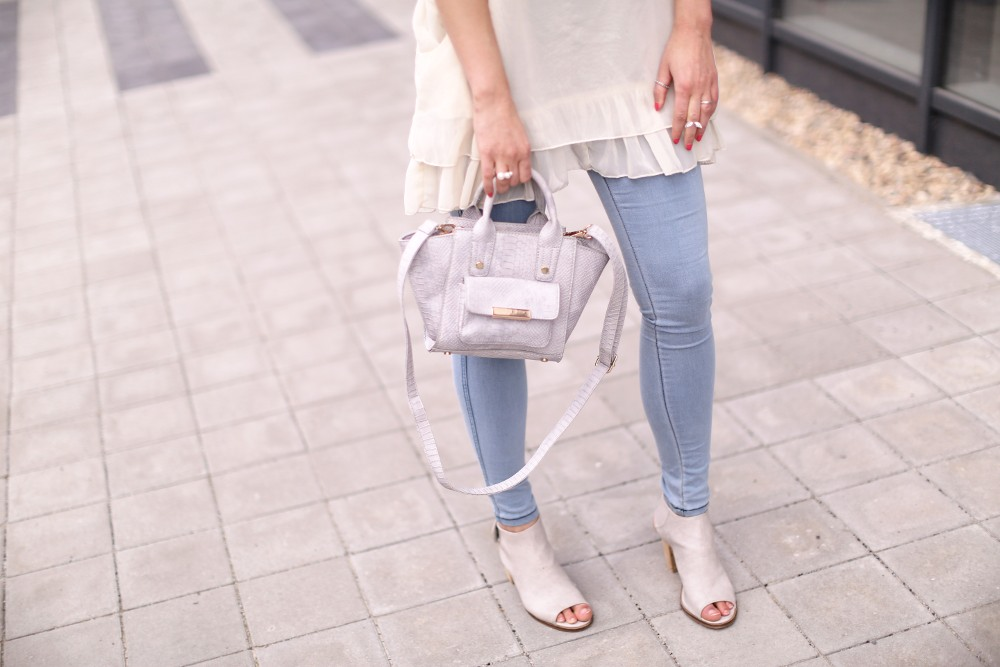 nude outfit -details_beine_quer3