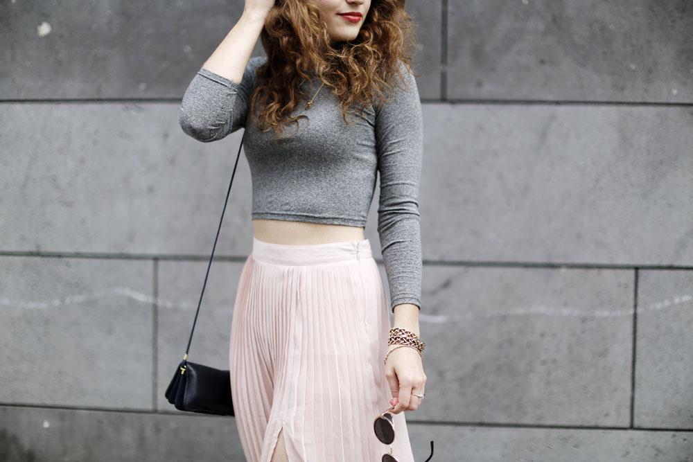 Pleated Midi Skirt - Fashion Blog from Berlin