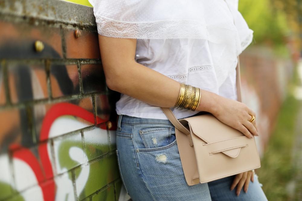 vintage off shoulder top boyfriend jeans dl1961 details