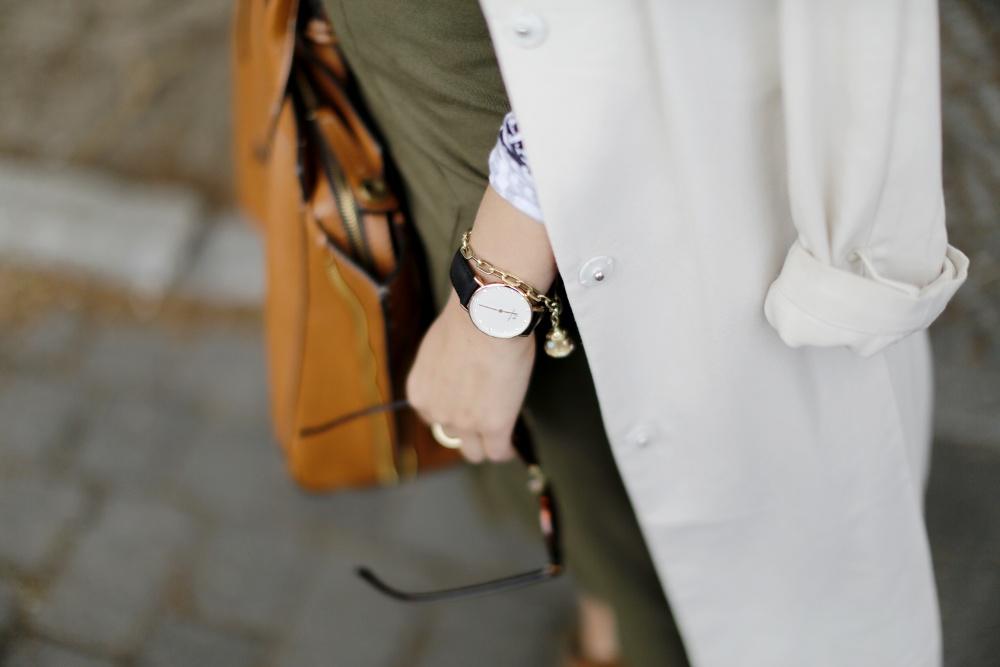 Asos Khaki Pencil Skirt Midi American Apparel Crop Top Trenchcoat Late Summer Outfit Brown and Khaki Samieze