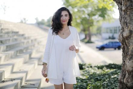 All White Outfit White Jumpsuit Nude Bag fashionblogger berlin fashionpost samieze