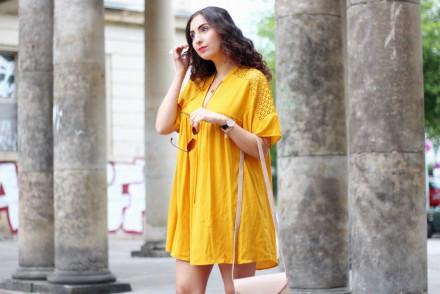 Yellow Boho Dress Zara Sale Nude Bag White Platform Sandals Berlin Fashion Blog Modeblog Inspiration Outfit