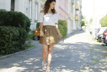 leather skirt_angeschnitten quer
