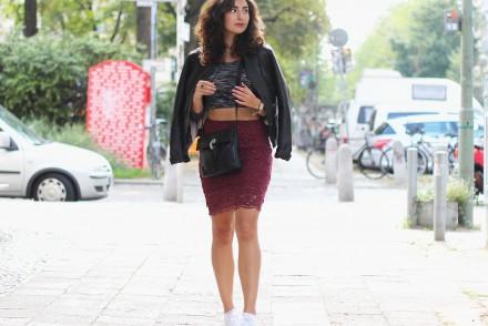Lace Pencil Skirt Mint&Berry Midi Skirt Lace Crop Top Leather Jacket Biker Jacket Fashionblogger Deutschland Modeblogger Modeblog Berlin Fashionblog Blog Outfit Post Instagram Samieze Lookbook