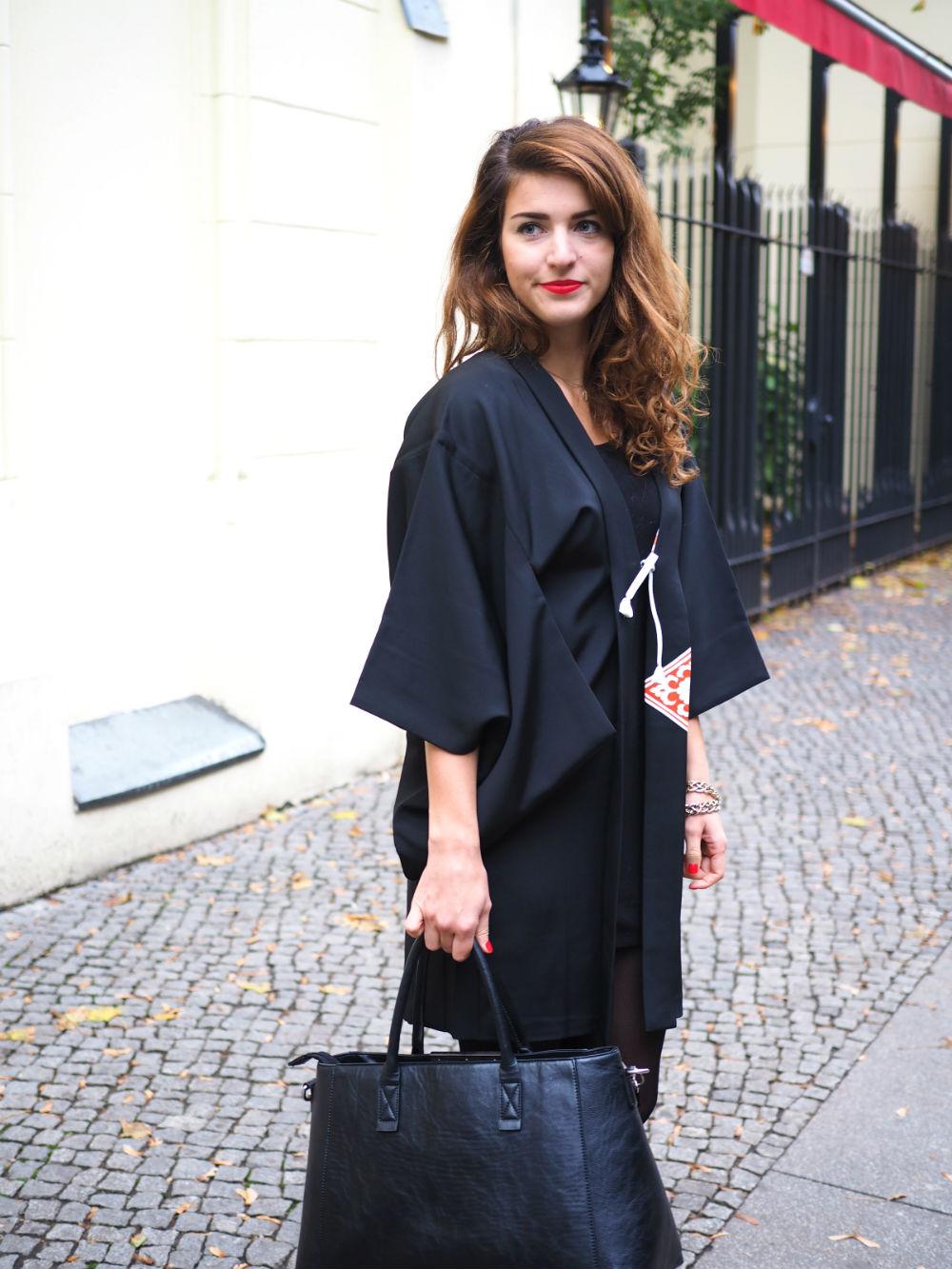 black vintage kimono_halb hoch