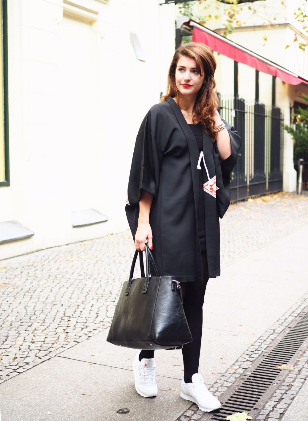 black vintage kimono_hoch ganz