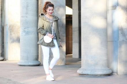 white jeans and khaki_ganz quer