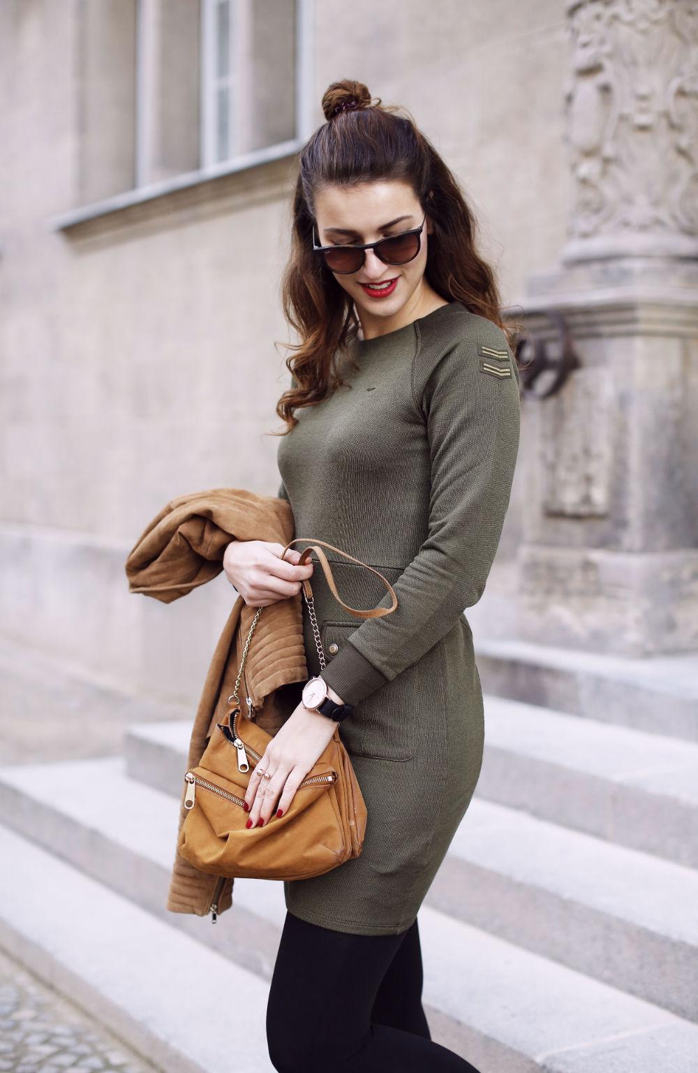 military dress_hoch halb2