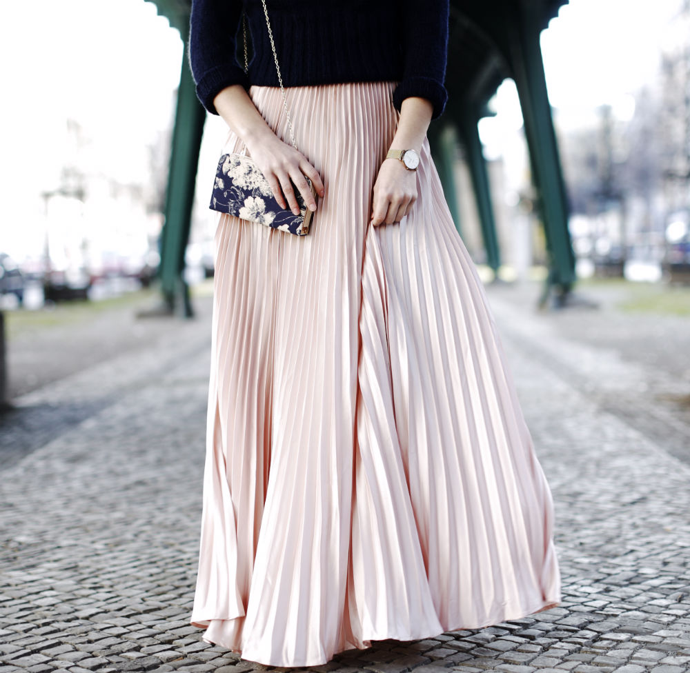 pleated maxi skirt details rock