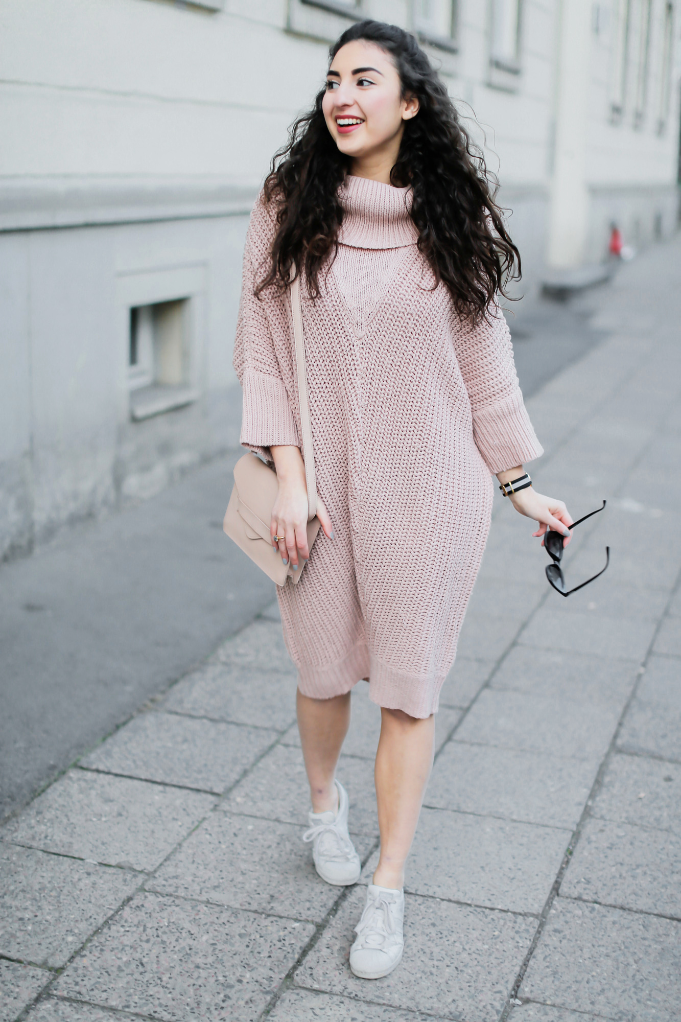 knitted dress and sneakers fashionblog berlin. Black Bedroom Furniture Sets. Home Design Ideas