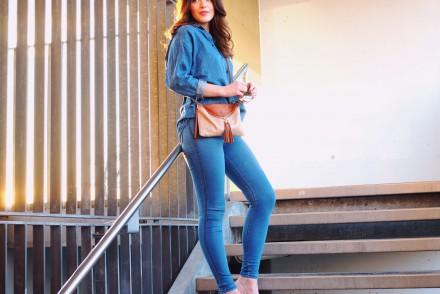 denim on denim asos monki jeans oversized shirt skinny jeans jeggings loafers tassels light pink summer streetstyle