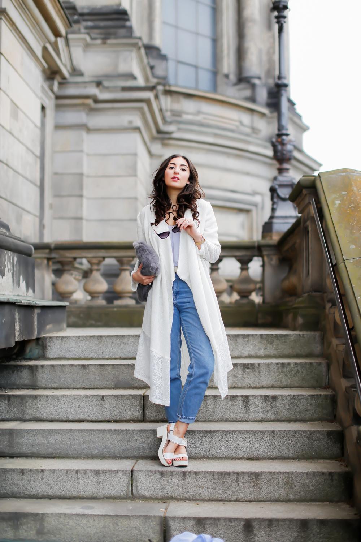 Aallaa moda outfit Spring look iranian fashion teheran tehran label topshop mom jeans frühlingslook spitzen mantel white lace coat