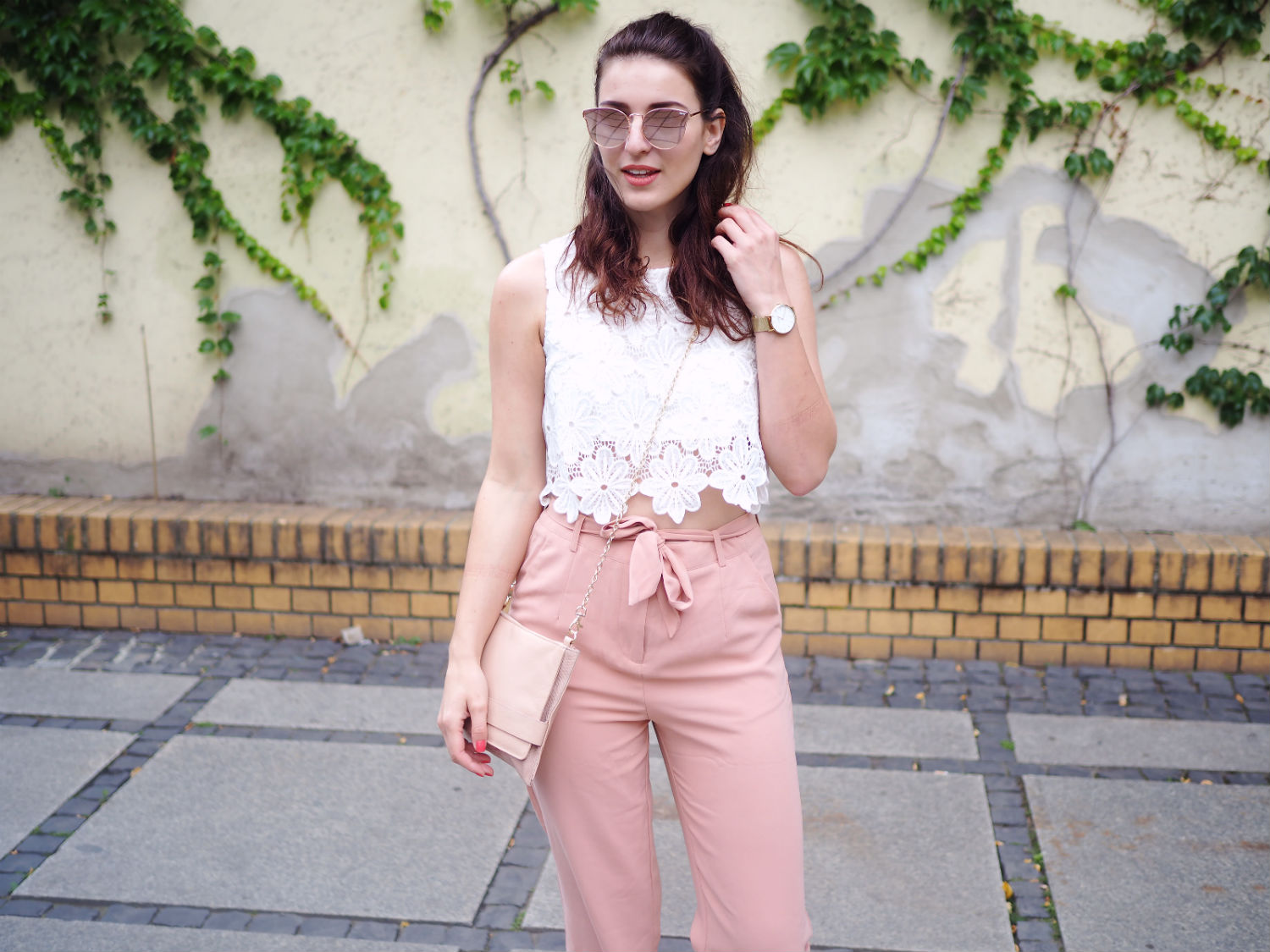 blush culottes adidas superstars streetstyle oasis cluse watch summer look berlin fashion week quer halb 2