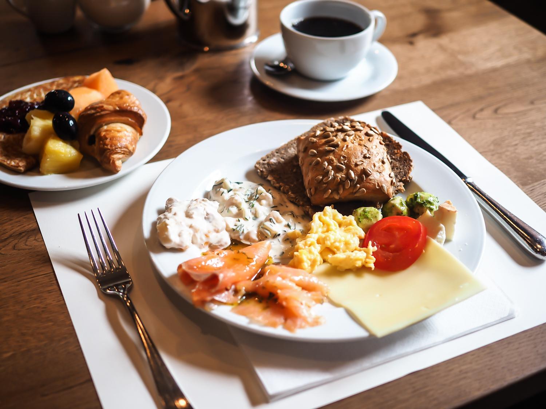 wpid-gastwerk-hotel-hamburg-erfahrungen-daytrip-berlin-travel-tagesausflug-review-unterkundt-reiseblog-travelblogger-kaiserwetter-salat-essen-restaurant-empfehlung-10.jpg.jpeg
