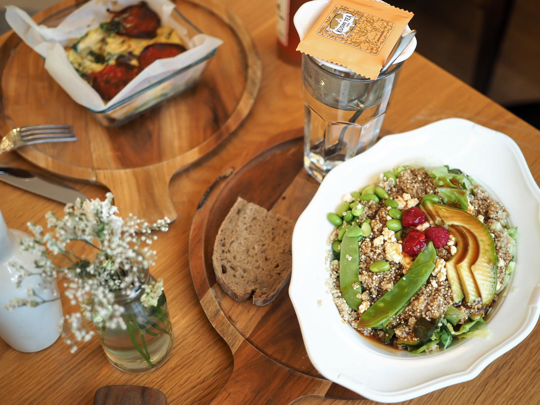 wpid-gastwerk-hotel-hamburg-erfahrungen-daytrip-berlin-travel-tagesausflug-review-unterkundt-reiseblog-travelblogger-kaiserwetter-salat-essen-restaurant-empfehlung-21.jpg.jpeg