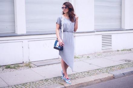 peter kaiser summer streetstyle grey jersey dress asymmetric embellished loafers