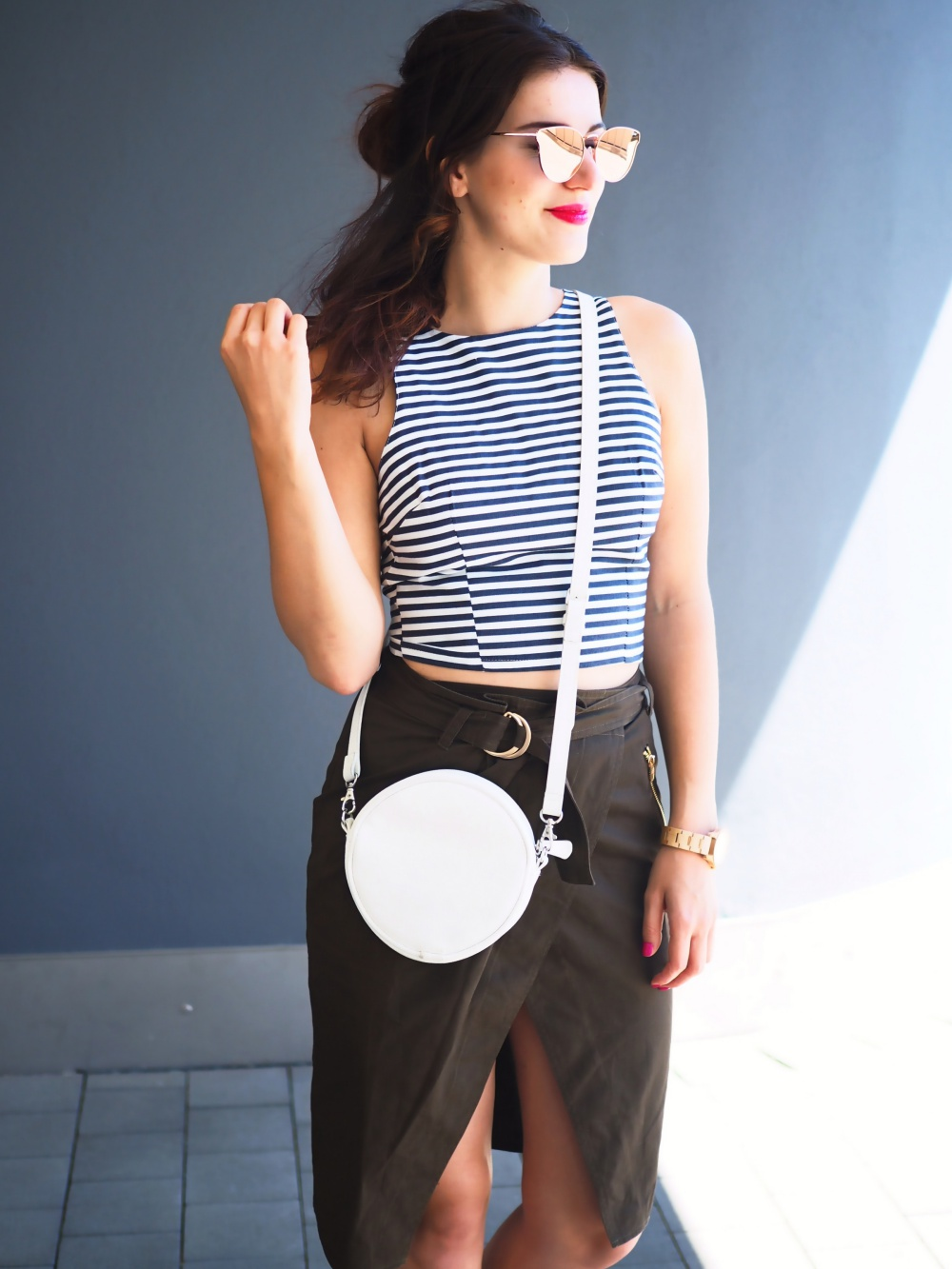 asos-utility-skirt-summer-streetstyle-crop-cropped-shirt-top-stripes-monki-bag-quay-all-my-love-copper-mirrored-shades-fashion-style-details