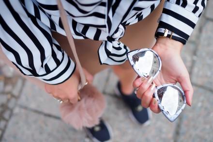 boohoo nude mini skirt striped blouse overlength adidas zx flux girl outfit sneakers quay sunglasses partylook nightout berlin streetstyle elegant feminine modeblog berlin samieze fashionblogger deutschland-11