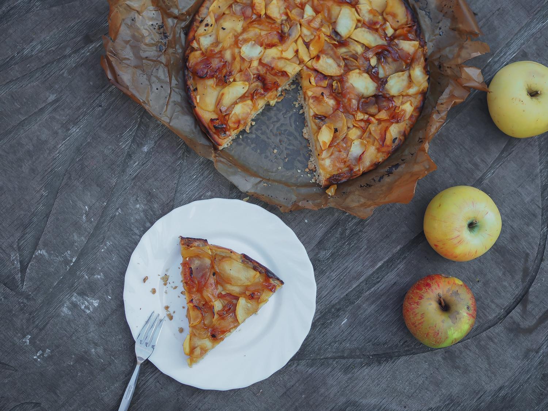 caramelized apple cheesecake recipe fall cake honey creamcheese tarte honig kösekuchen mit karamellisierten äpfeln herbstkuchen lifestyle foodblog rezept blog berlin samieze deutschland-4