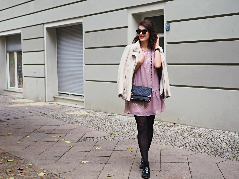 low waist dress y.a.s asos chiffon metallic autumn streetstyle look trend pointed boots sacha promod biker jacket