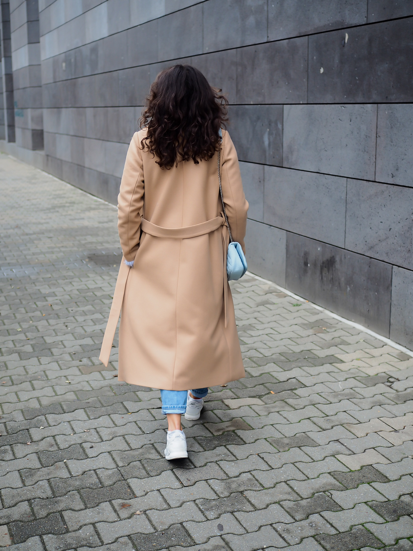 wpid-ivyoak-bathrobe-coat-camel-wrapcoat-maxi-mantel-beige-streetstyle-topshop-mom-jeans-asics-gel-lyte-iii-fashionblog-winterlook-herbst-outfit-berlin-samieze-modeblogger-13.jpg.jpeg