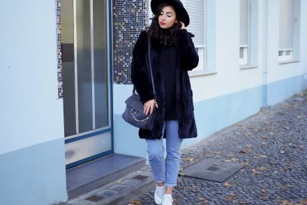 dorothy perkins black fluffy coat vintage inspired fakefur kunstfell mom jeans retro hipster look outfit fashionblogger modebloggerin berlin samieze_