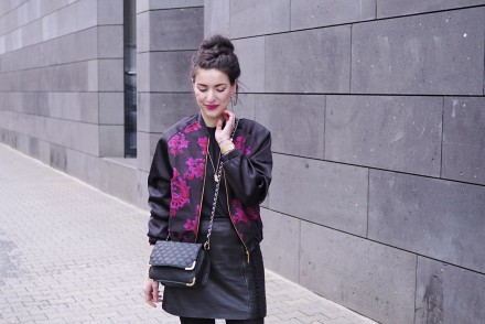 closet embroidered bomber jacket leather skirt mini a line rollneck turtleneck shirt sweater oasis asos chain bag across black tights nike sneakers streetstyle fashion berlin winter spring look