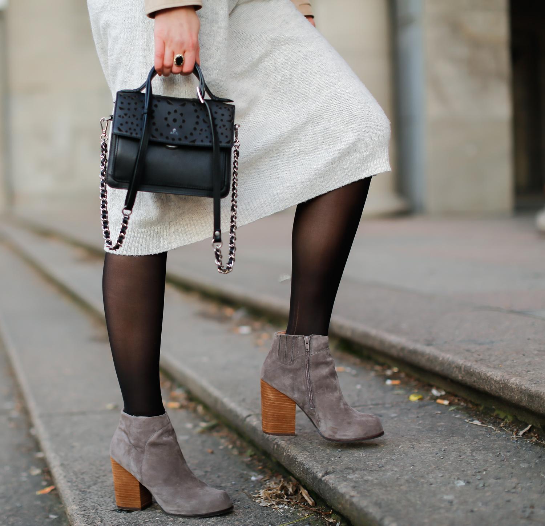 madeleine velour leather jacket beige lederjacke frühlingslook monki strickkleid kombinieren jeffrey campbell boots modeblogger romantic winter look casual streetstyle blogger modeblog berlin  samieze-12