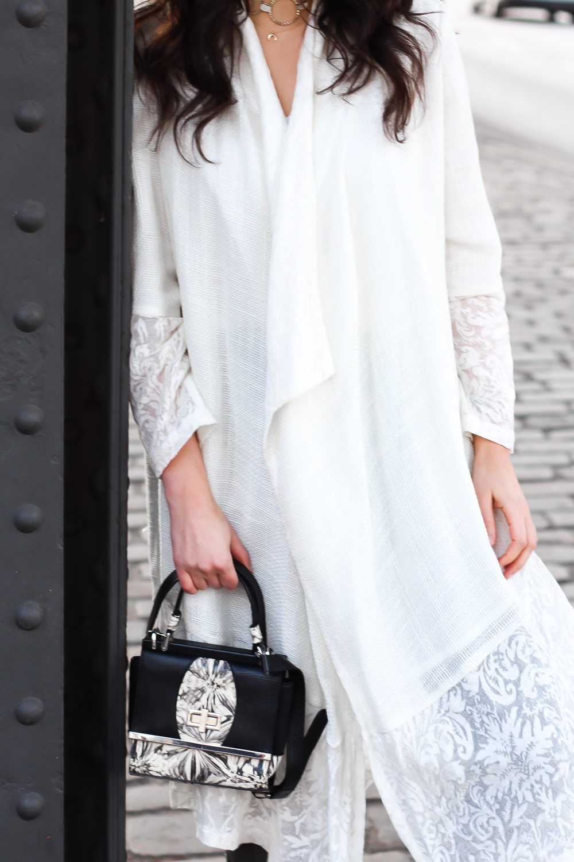 aallaamoda white coat frühlingsmantel cardigan boho white khaki pants edited suit anzughose loafers peter kaiser beige gold frühlingslook berlin casual everyday blogger modeblog berlin samieze-12