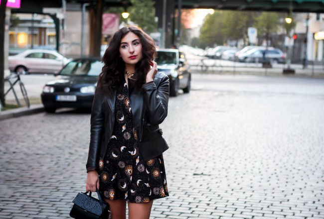 motel babydoll dress stars print grunge inspired partyoutfit ausgeh style boho spring look outfit streetstyle fashionblogger mode blog deutschland germany berlin samieze
