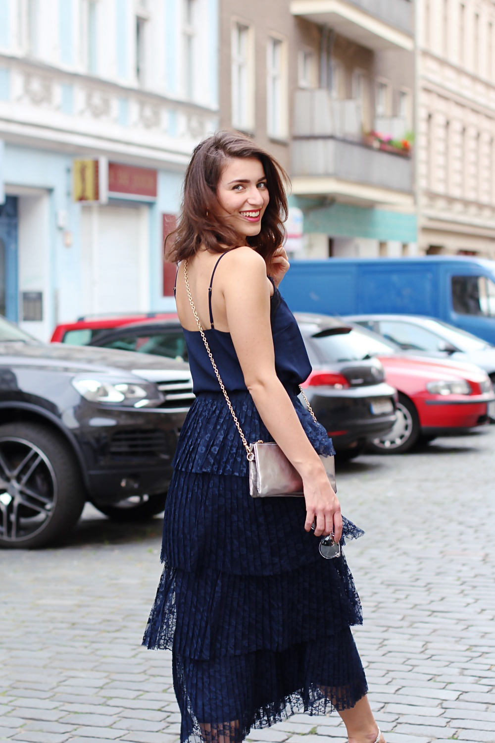 wedding guest inspiration summer maxi skirt ruffles lace romantic look hot summer night fashion blog streetstyle lookbook trend berlin samieze