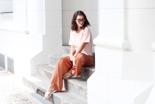 copper palazzo pants wide leg trousers straight pants soft pink zara mbym quay sunglasses trend streetstyle berlin fashion inspiration designer samieze