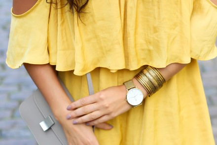 yellow jumpsuit offshoulder playsuit forever21 buffalo slipper denim bow summer streetstyle hot day berlin look berlinstyle fashion blogger germany berlin samieze