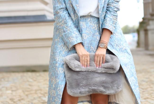 Matching Coat and Skirt berlin fashion week summer streetstyle jacquard long blazer wrap miniskirt H&M trend outfit fluffy bag fur topshop chloe sunglasses modeblog fashionblog deutschland samieze