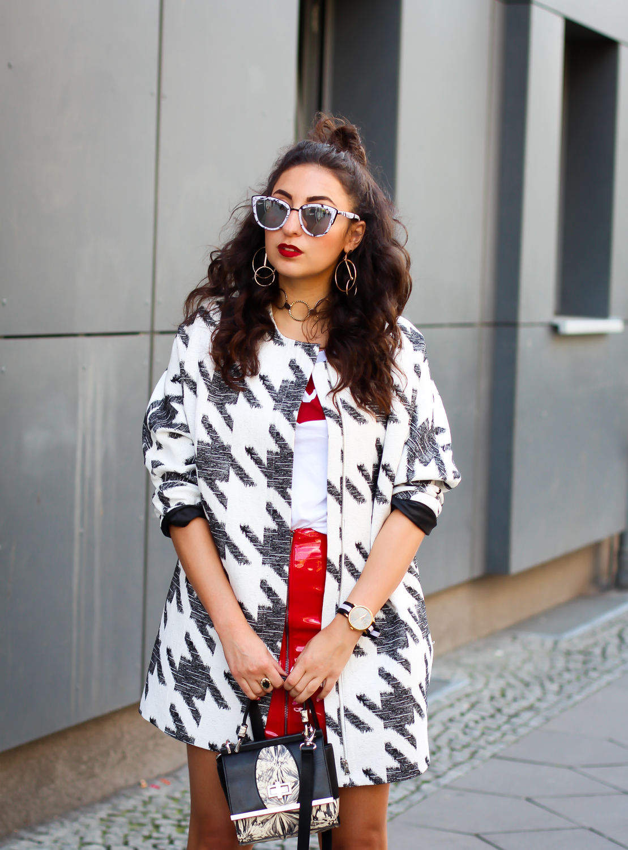 berlin fashion week summer streetstyle red patent skirt H&M quay marble sunglasses levis statement shirt modeblog fashionblog deutschland samieze-16