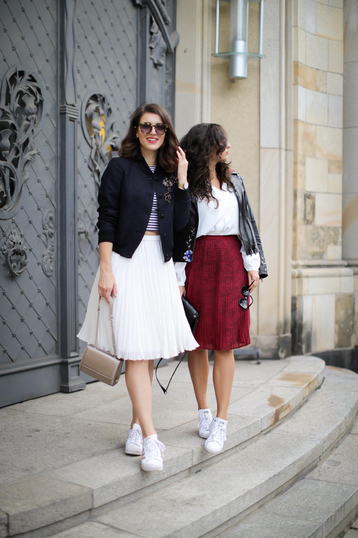 madeleine freundinnen style streetstyle double look twinning samieze partnerlook midiröcke herbst trends 17 fall look berlin samieze berlin_