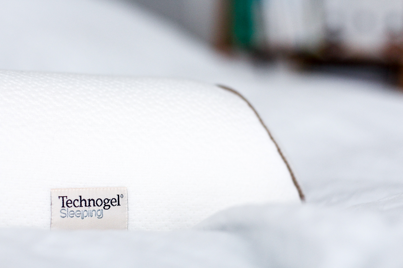 technogel sleeping experience. Black Bedroom Furniture Sets. Home Design Ideas