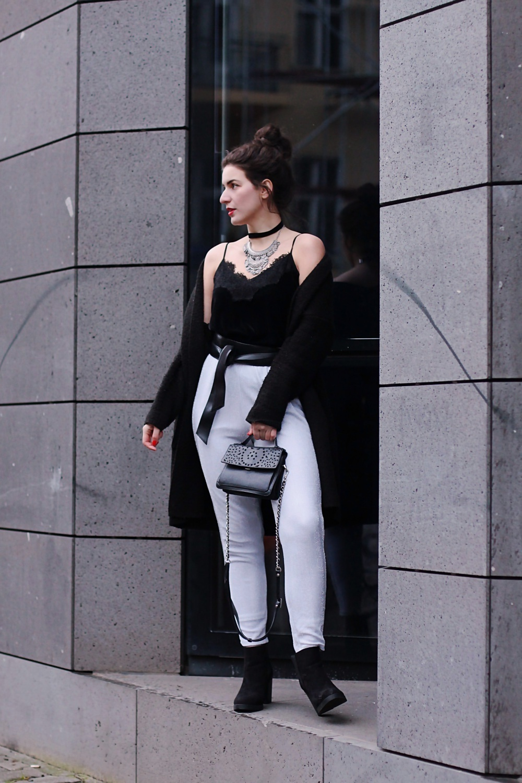 nye party look silver pants velvet camisole asos esprit monki topshop new yer sylvester outfit berlin blog samieze