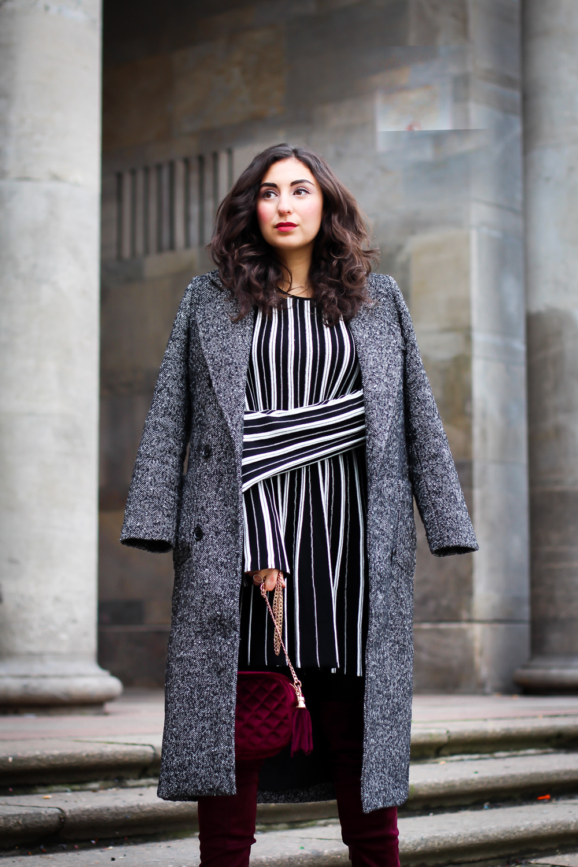 burgundy overknees striped knitted skater dres styling a knit dress sisley public desire boots experience overknee boots mint&berry mantel fashion blog berlin samieze