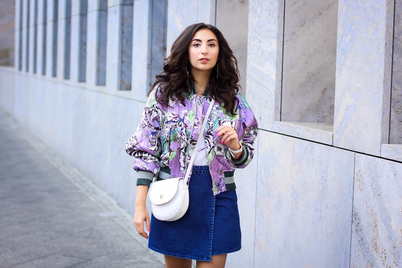 white boots and denim mini skirt wrap asos rock bomberjacke aigner summer bag spring streetstyle fashion blog modeblog berlin blog samieze-8-10