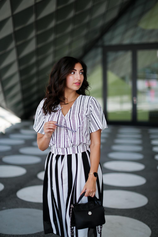 Plateau Converse and Midi Skirt Fashionblog Berlin