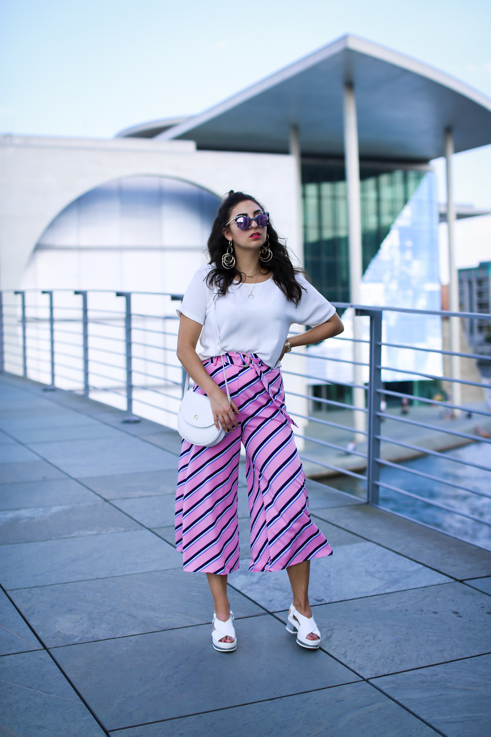 bershka pink culotte white plateau sandals retro style vintage aigner bag summer look streetstyle fashion modeblog berlin blog samieze