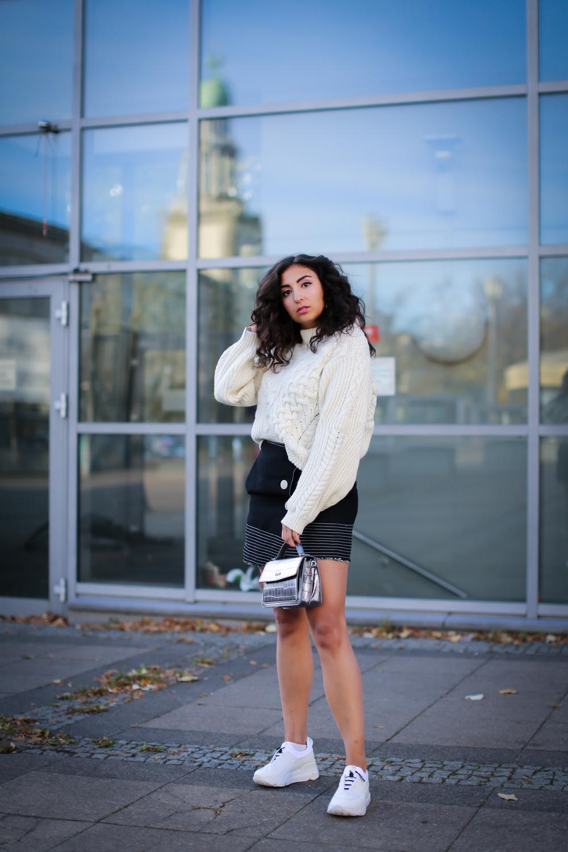 rucoline white plateau sneakers chunky knit winter look adax bag metallicdenim miniskirt streetstyle fashion modeblog berlin blog samieze