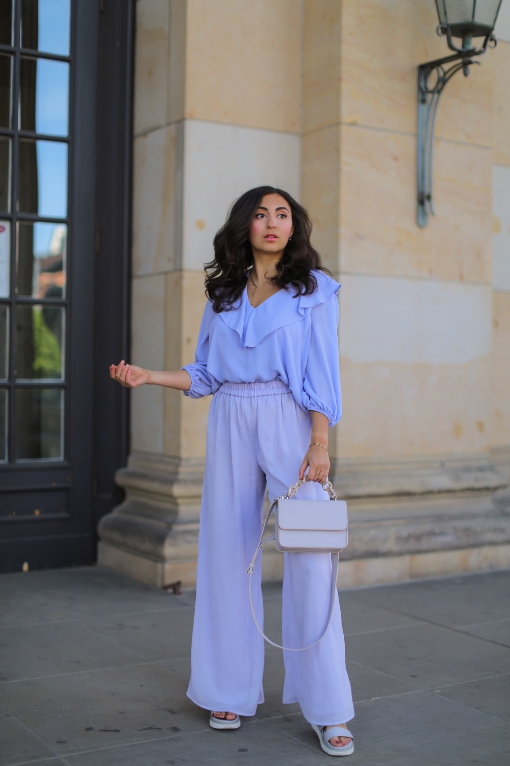 all lilac outfit palazzo pants styling lavender cai jewellery schmuck pearly ear cuff summer style 2020 berlin samieze