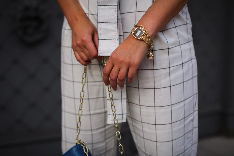 styling cobalt blue chic elegant look for summer eveninf casio vintage style golden watch zara mango outfit summer style 2020 berlin samieze-2