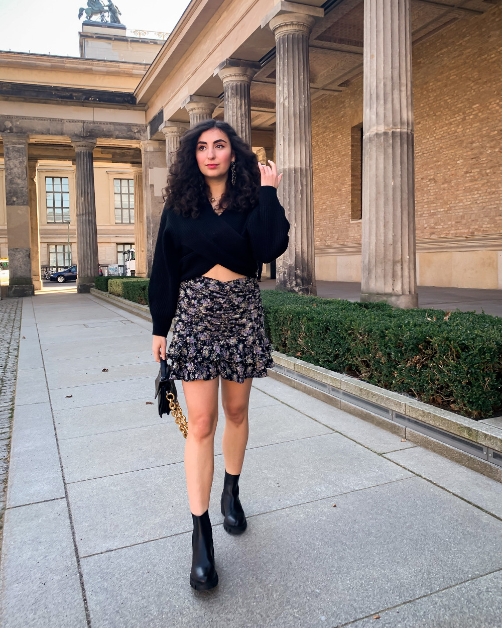 sacha boots fall inspiration 2021 skirts and boots autumn city looks